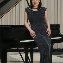 Angelin Chang -- GRAMMY® Winning Pianist