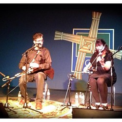 piobagusfidil (uilleann pipes and fiddles)