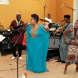 Anna Mwalagho& Afrofloetry Band