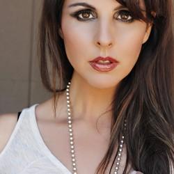 Raquel Aurilia