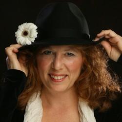 Anne Weiss