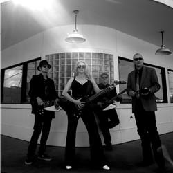 Shelly Knight - band
