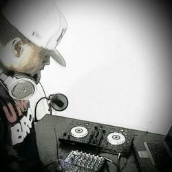 DJ PhillY Dot
