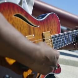 Chris Knox Sr. - Guitarist