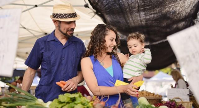 PLAY: Bixby Knolls Farmers' Market (LA) - Summer