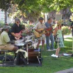 PLAY: South Gate Farmers' Market (LA)