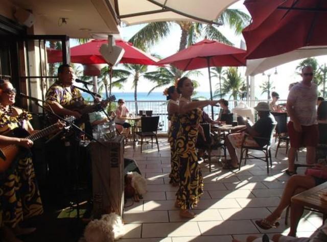 PLAY: Tiki's Grill & Bar (HI) Winter
