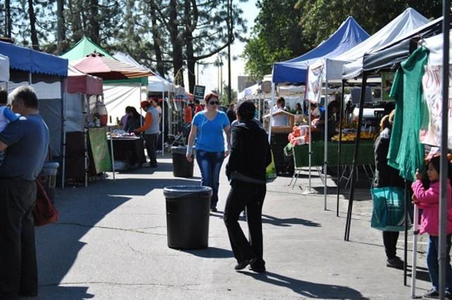 PLAY: Huntington Park Farmers' Market (LA)