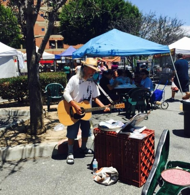 PLAY: Downtown Long Beach Farmers' Market (LA)