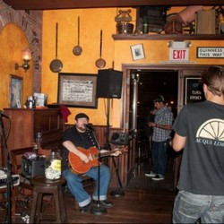 PLAY: Gallagher's Pub (CA) (Fall/Winter)