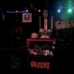 PLAY: Gussy's Bar Music Venue (NYC) - Summer