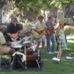 PLAY: South Gate Farmers' Market (LA) Summer