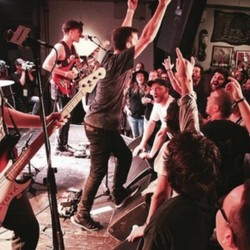 PLAY: L'Anti Bar & Spectacles (CAN) Summer