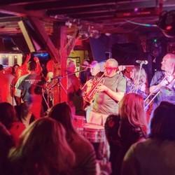PLAY: Rustic Barn Pub (NY) Fall