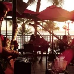 PLAY: Tiki's Grill & Bar (HI) Fall