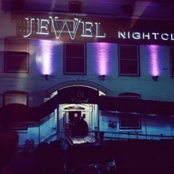 PLAY: Jewel- (NH)