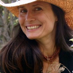 Rebecca Abraxas
